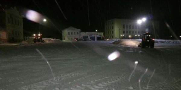 Снегоуборочная техника в Красносельском районе работает в авральном режиме