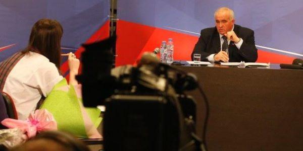 Четыре часа губернатор Костромской области отвечал на вопросы журналистов
