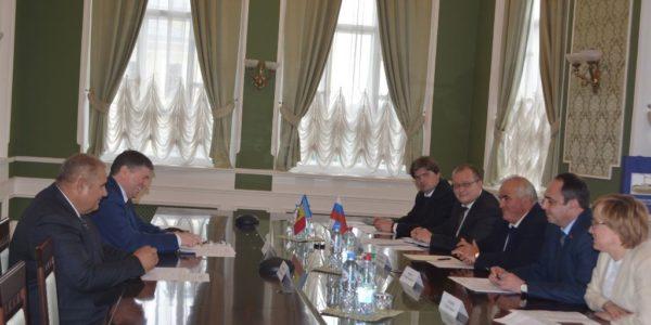 Красносельский район установит побратимские связи с Сынжерейским районом Молдовы