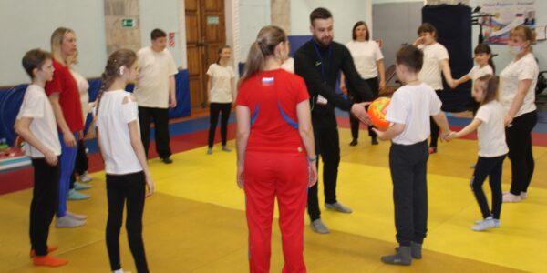 «Особым» детям в Красносельском районе открылась дорога в спортивную жизнь
